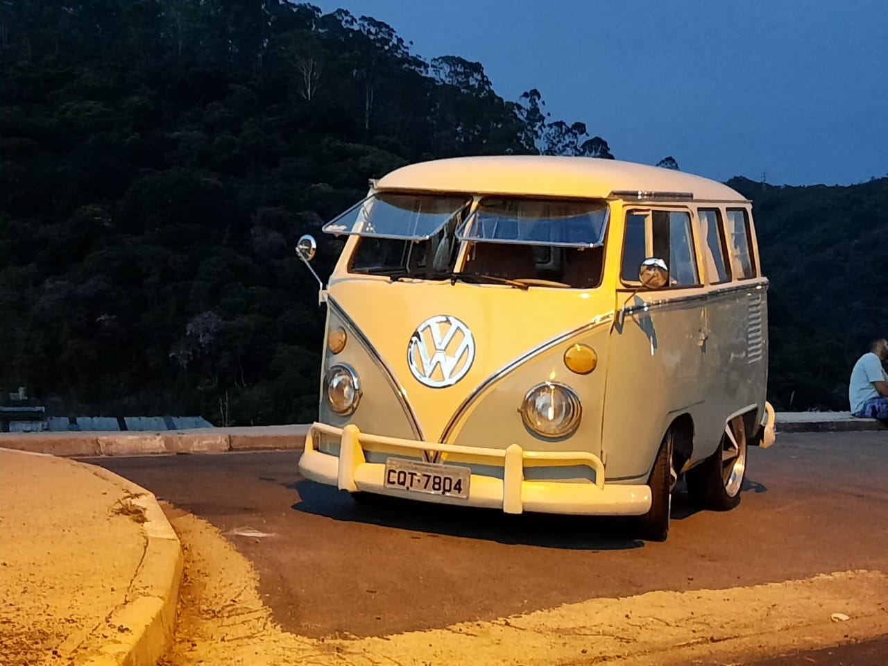 Auto Restoration Service and Samba VW Classifieds